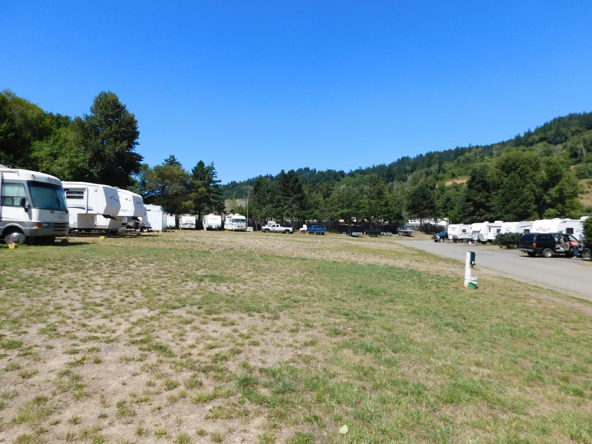 RV Storage at AtRivers Edge RV Resort