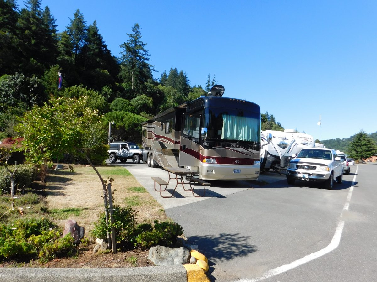 Big Rig RV Spaces in Brookings, Oregon