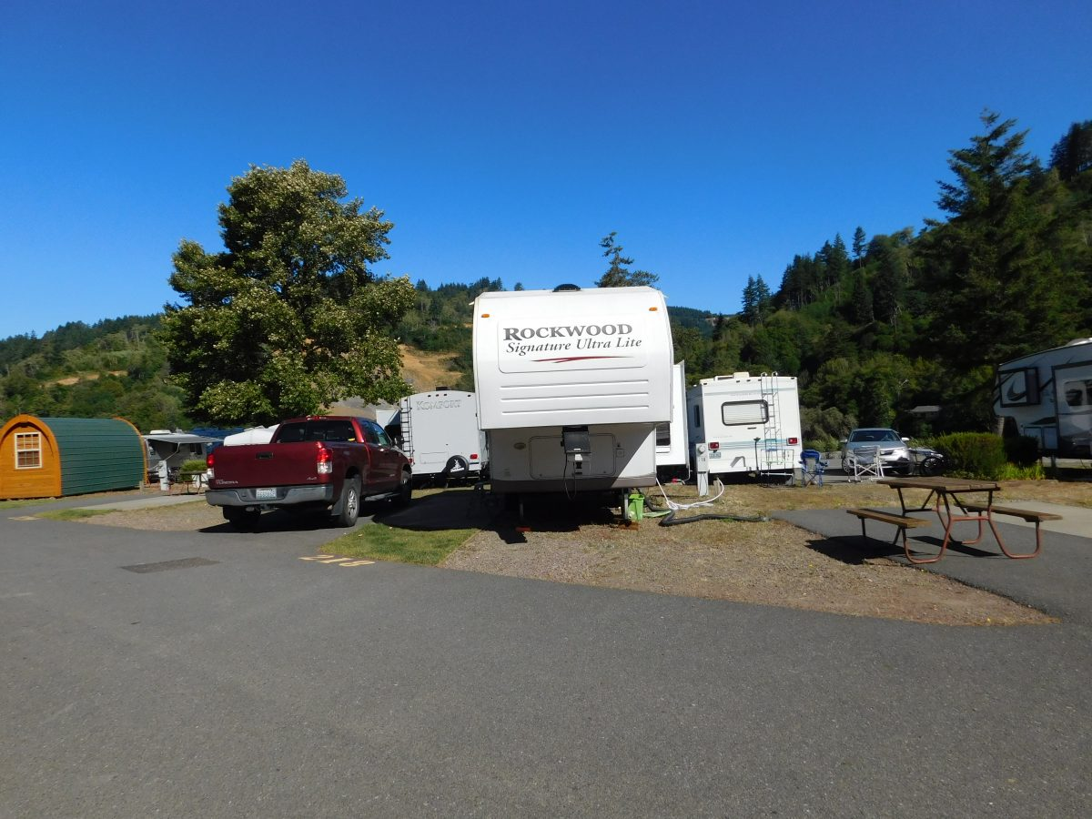 Paved RV spaces in Brookings, Oregon